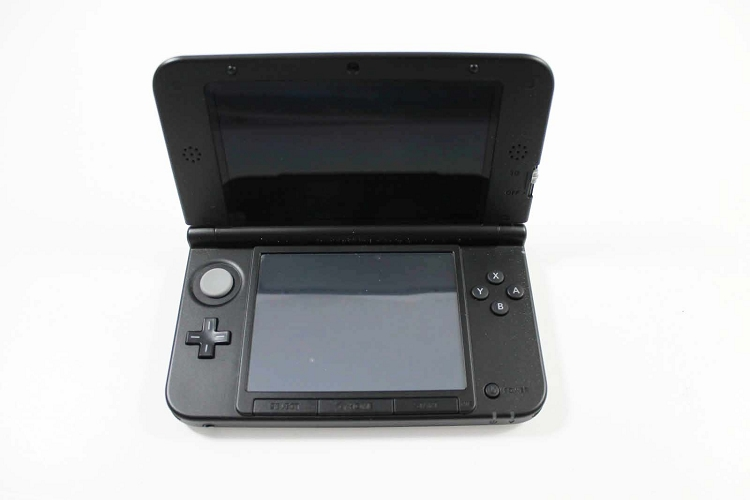 nintendo 3ds xl mario luigi silver limited edition system. Black Bedroom Furniture Sets. Home Design Ideas